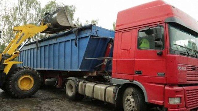 Влада Чернівців погодилася прийняти на своє сміттєзвалище 833 тонни сміття зі Львова