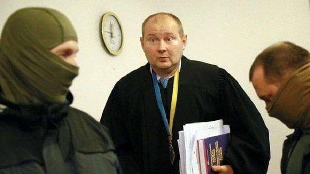 Викритий на хабарі суддя Дніпровського райсуду Києва вів справи проти учасників Євромайдану