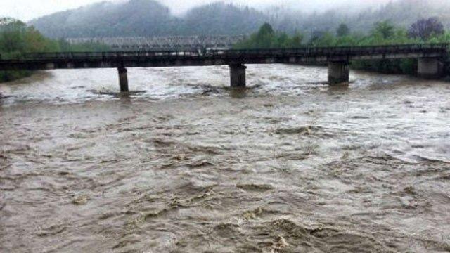 ДСНС попередила про підйом рівня води у річках Прикарпаття 11 і 12 серпня