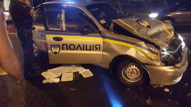 На перехресті у Львові водій автобуса не пропустив авто поліції охорони