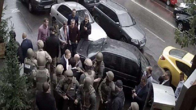 У мережі з'явилося відео сутички працівників НАБУ і ГПУ