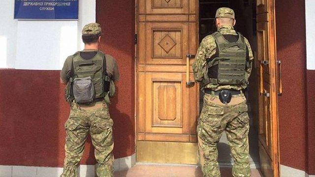 У трьох офісах Держприкордонслужби проводять обшуки