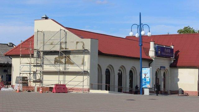 Біля львівського приміського вокзалу відкриють стелу героям АТО