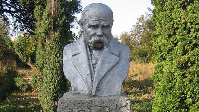 У селі Шевченкове на Черкащині викрали бронзове погруддя Тараса Шевченка