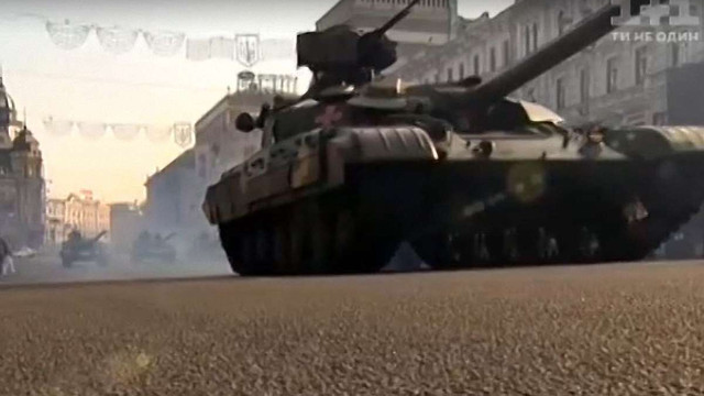 Військові відреагували на заяви щодо пошкодження доріг в Києві військовою технікою
