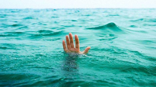 На озері Задорожнє втопився 19-річний хлопець