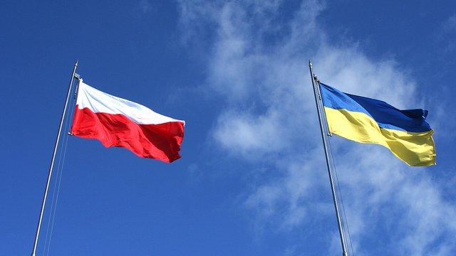 З наступного року Польща змінить правила працевлаштування українців
