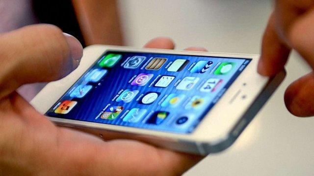 Apple планує знімати відбитки пальців викрадачів iPhone і відправляти їх поліції