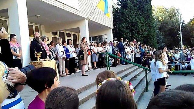 Чиновниця львівської мерії вибачилась за виступ російською перед школярами