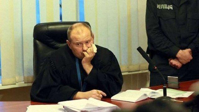 Суд арештував квартиру й автомобіль судді Чауса