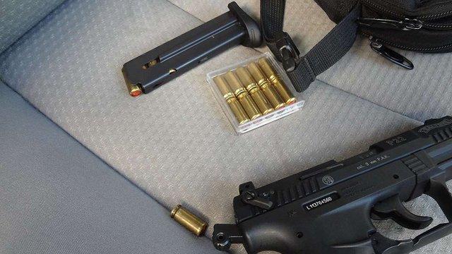 У Краковці у чеха вилучили газовий пістолет з набоями