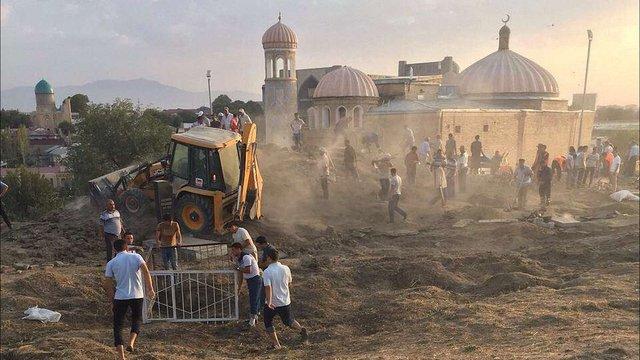 Узбекистан готується до похорону президента, про його смерть оголосять у п'ятницю, – ЗМІ