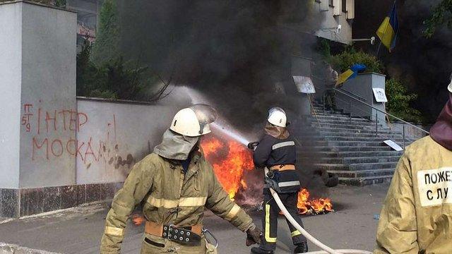 У Києві підпалили будівлю телеканалу «Інтер»