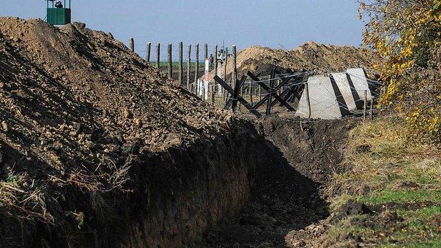 Держприкордонслужба поскаржилася у військову прокуратуру на неякісні вишки проекту «Стіна»