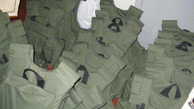 Під час закупівлі бронежилетів працівники Міноборони розікрали ₴31 млн
