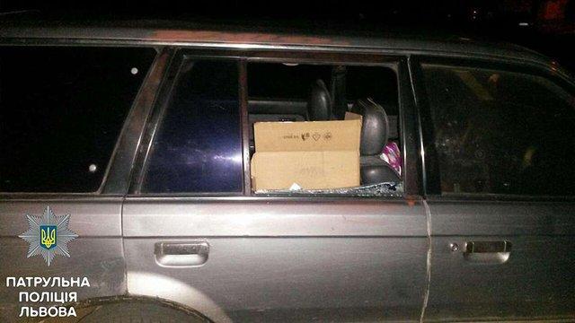 Уночі львівські поліцейські затримали трьох підозрюваних у автокрадіжках