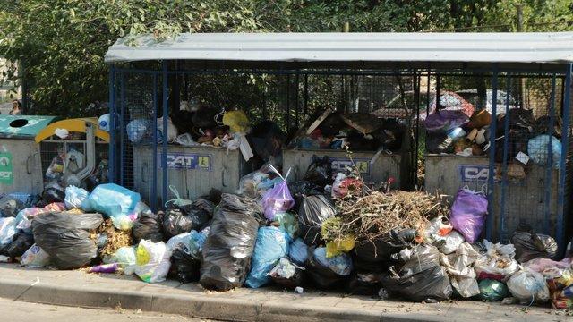Проблему з вивозом сміття у Львові обіцяють вирішити впродовж дня