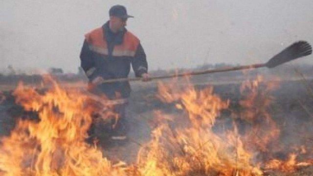 На Яворівщині селяни перешкоджали пожежникам гасити пожежу