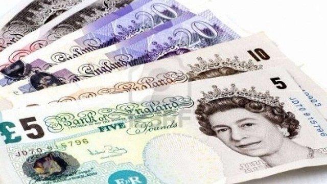 У Великобританії ввели в обіг перші пластикові банкноти
