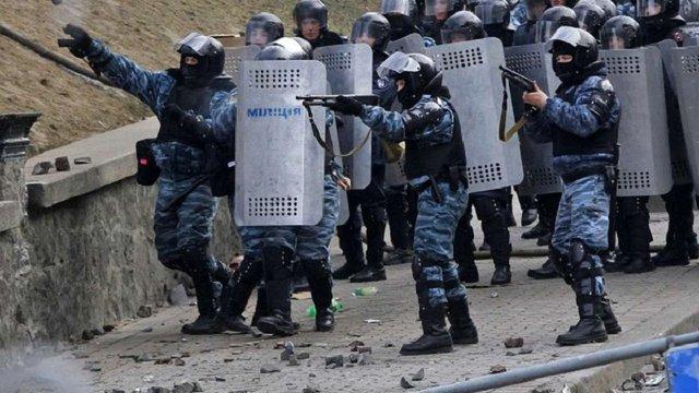 Держобвинувачення показало у суді нове відео у справі розстрілу активістів Майдану