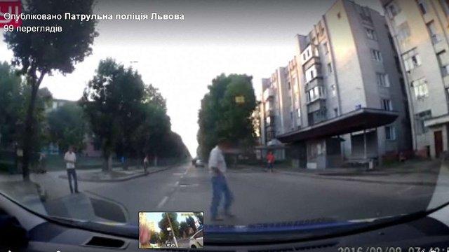 За рік львівські патрульні оштрафували півтисячі пішоходів