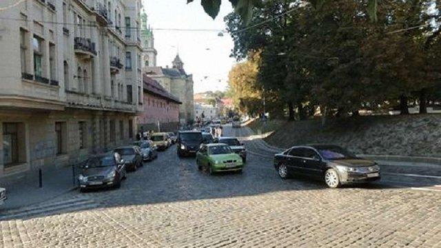 На вул. Підвальній у Львові змінять схему руху транспорту