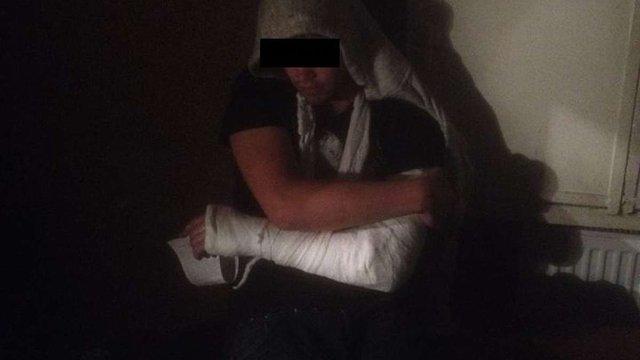 П'яний чоловік зі зброєю пограбував людей у Львові