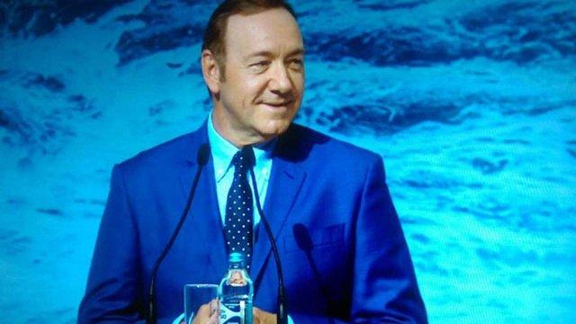 Кевін Спейсі виступив з промовою на форумі YES-2016 у Києві