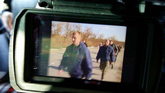 Порошенко повідомив про звільнення з полону бойовиків двох українців