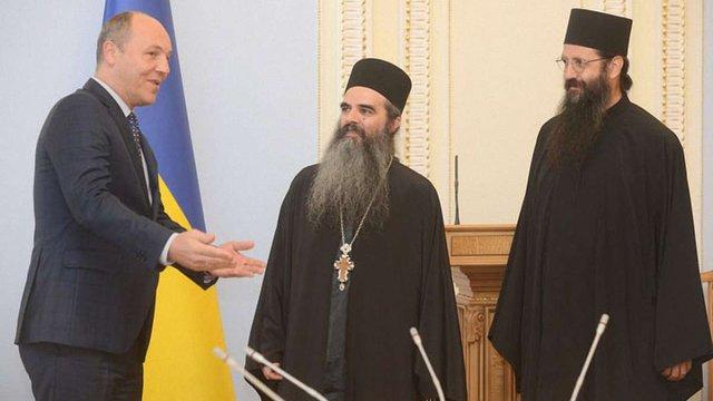 Уряд не регламентує релігії в Україні, але хоче автокефалії Православної церкви, - Парубій
