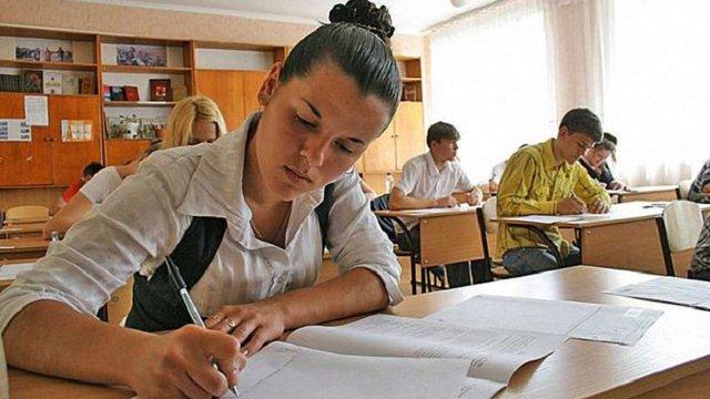 Шкільні випускні іспити наступного року пройдуть у формі ЗНО
