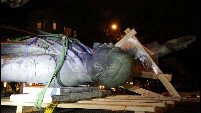 У Нью-Йорку з даху будинку демонтували пам'ятник Леніну