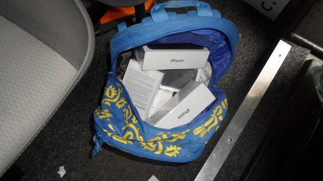 На Львівській митниці затримали контрабандні iPhone 7 вартістю понад ₴300 тис.