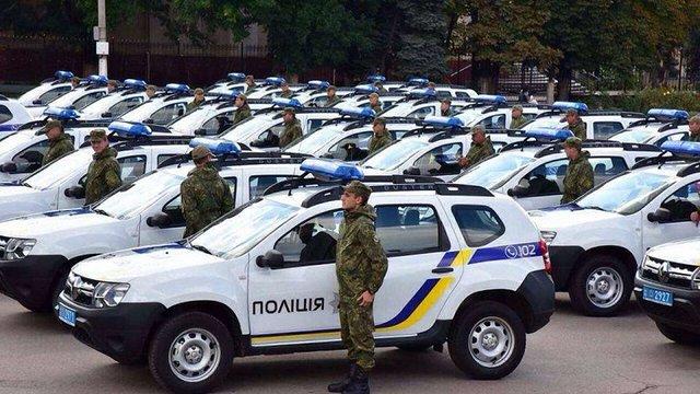 Поліція прифронтових районів Донбасу отримала 86 нових автомобілів