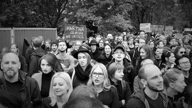 Польські жінки зібрали під Сеймом багатотисячний мітинг проти заборони абортів