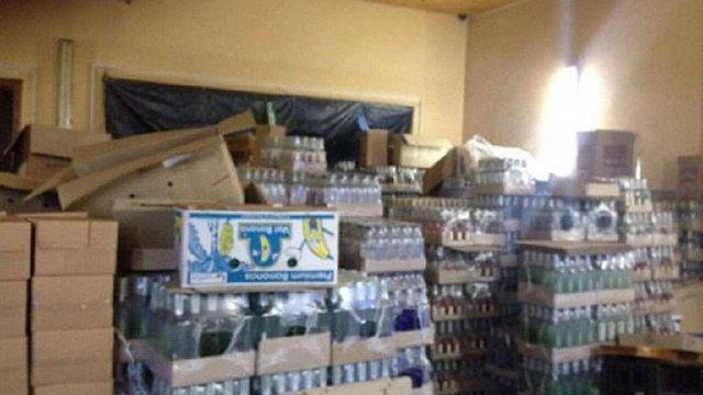 На колишній СТО в Стрию викрили підпільний цех з виготовлення горілки