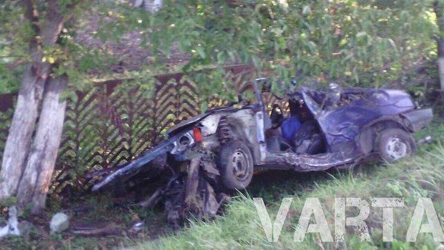 У Яворівському районі військовий в'їхав у дерево, загинуло двоє людей