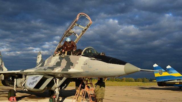 Авіація ЗСУ провела тренувальні польоти у складних погодних умовах