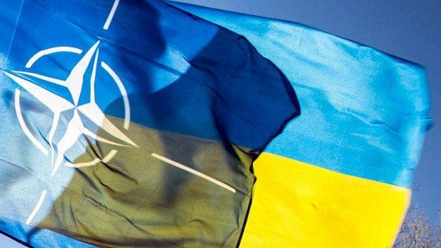 Вступ України до НАТО підтримує 44% українців