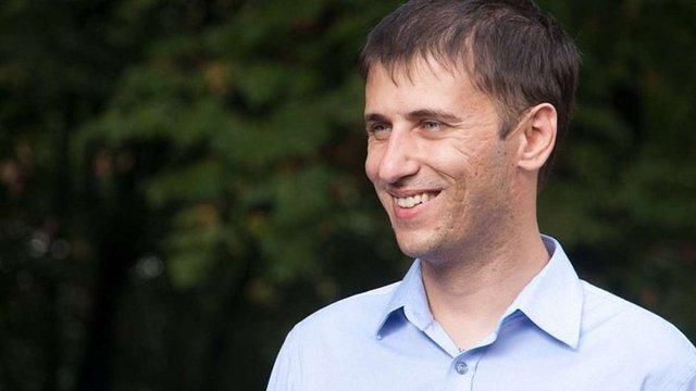 Суд змусив Верховну Раду перекладати депутатські виступи українською мовою