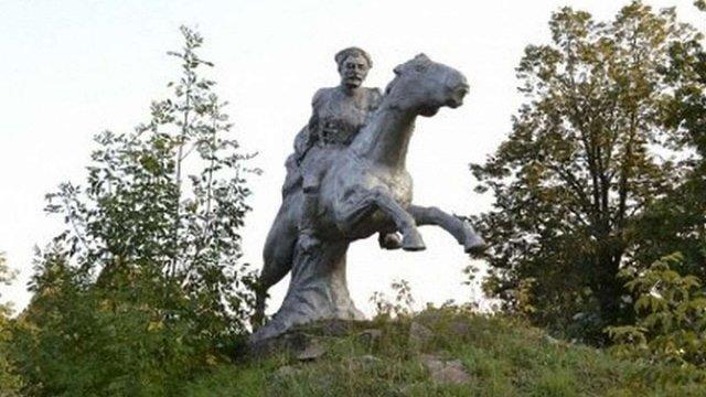 У Волновасі демонтували пам'ятник Чапаєву