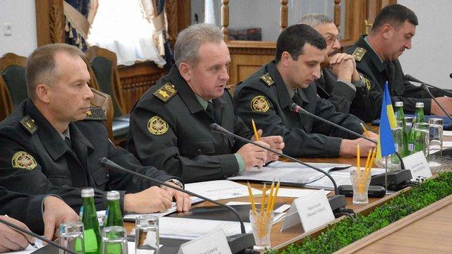 Віктор Муженко заявив про обстріли бойовиків в місцях розведення сил в зоні АТО