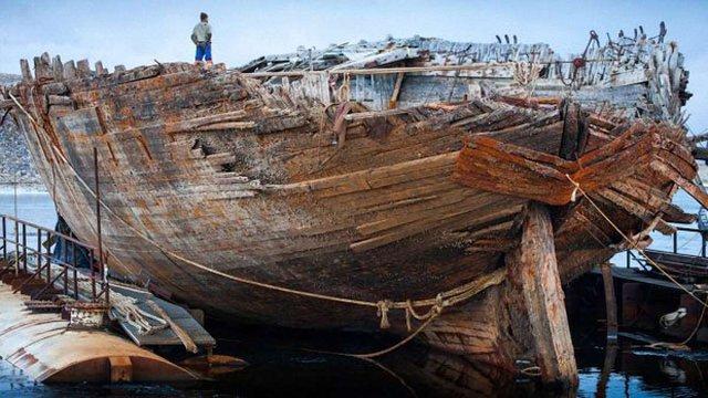 В Арктиці підняли із дна легендарний корабель першовідкривача Амундсена