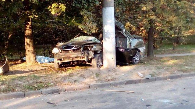 У Львові в ДТП на Левандівці загинуло двоє людей, одного госпіталізували