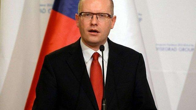 Прем'єр Чехії закликав прискорити видачу робочих віз українцям