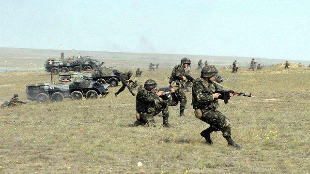 У Збройних силах нагадали, що за строковиками зберігається робоче місце і зарплата
