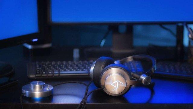 Українець створив ґеймерські навушники, які перетворюють голову в навігаційну клавішу