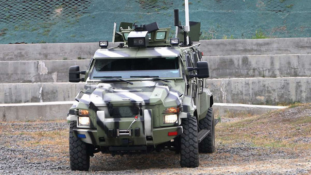 В Україні випустили перший бронеавтомобіль з автопілотом