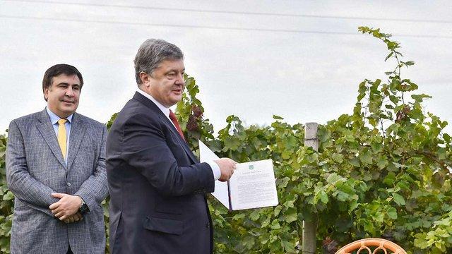 Президент скасував ліцензію на оптовий продаж алкоголю для виноробів