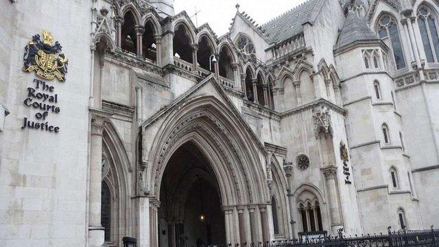 Україна відмовилася розглядати справу про борг Януковича у спрощеному режимі в суді Лондона